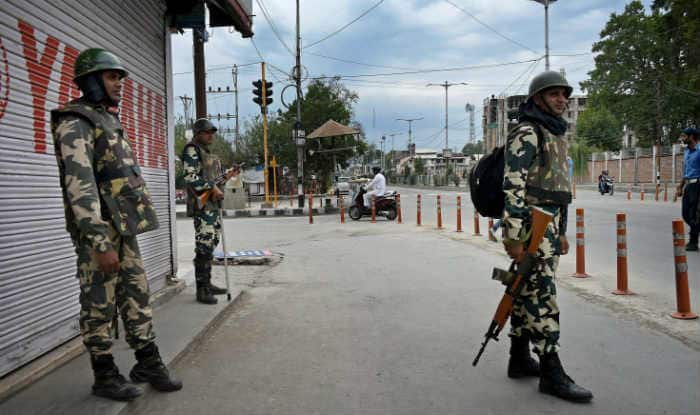 Pulwama Attack Aftermath? Panic Grips Kashmir After Sudden Movement of Troops, Fighter Jets | All You Need to Know