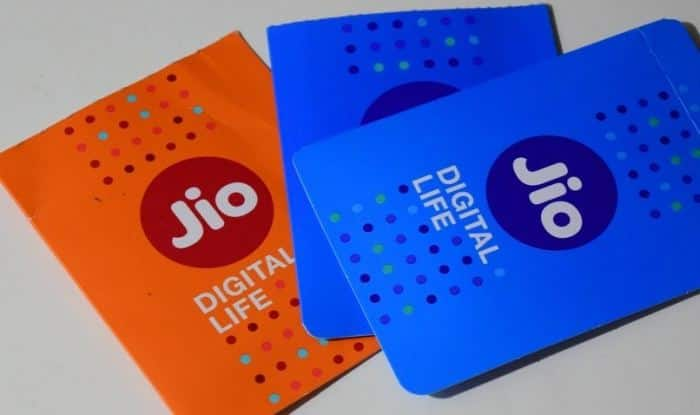 There are 2 Reliance Jio SIM cards – Orange and Blue. What's the difference and which one should you buy?