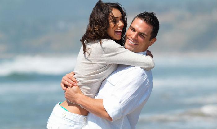Love-Couple-Happiness-Hug-Smile (1)