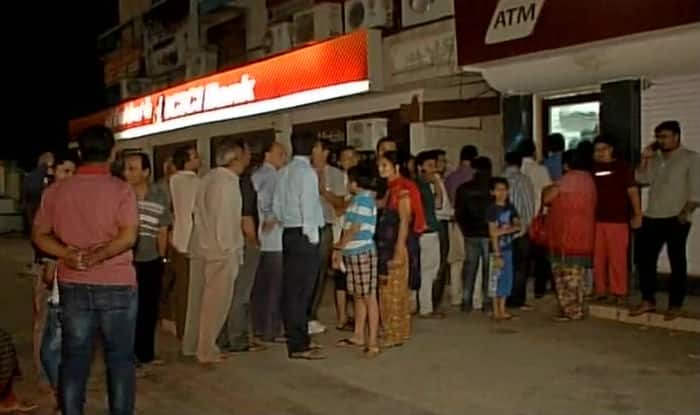 Rs 500 & 1000 notes banned: Chaos at ATM across India, Narendra Modi appeals public not to panic