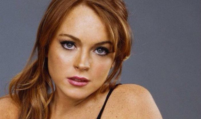 Mean Girls Star Lindsay Lohan Goes Nude For Photoshoot, Netizens Slam Her Over Her Religion