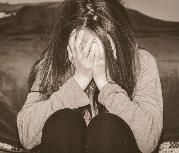 Emotionally destroyed girlfriend