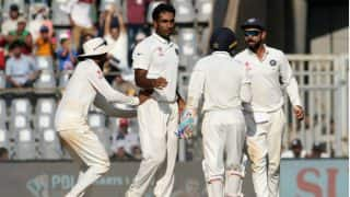 India vs England: India win by an innings and 36 runs and make it 3-0   मुंबई टेस्ट: भारत ने इंग्लैंड को एक पारी और 36 रन से हराया, सीरीज पर भी किया कब्जा