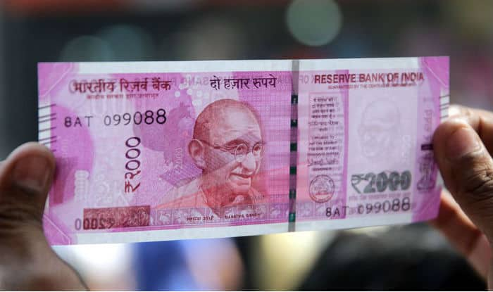 Rs 28 lakh in new currency seized at Mumbai airport