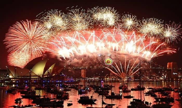 New Year 2017 Fireworks & Celebrations at Sydney Live Streaming and Telecast: Australia welcomes Year 2017; catch updates at sydneynewyearseve.com