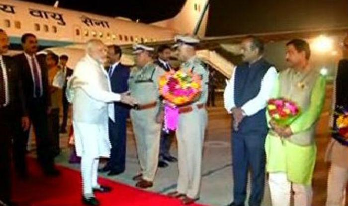 Narendra Modi reaches Bengaluru to attend 14th Pravasi Bharatiya Divas