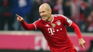 Arjen Robben extends Bayern contract for a season