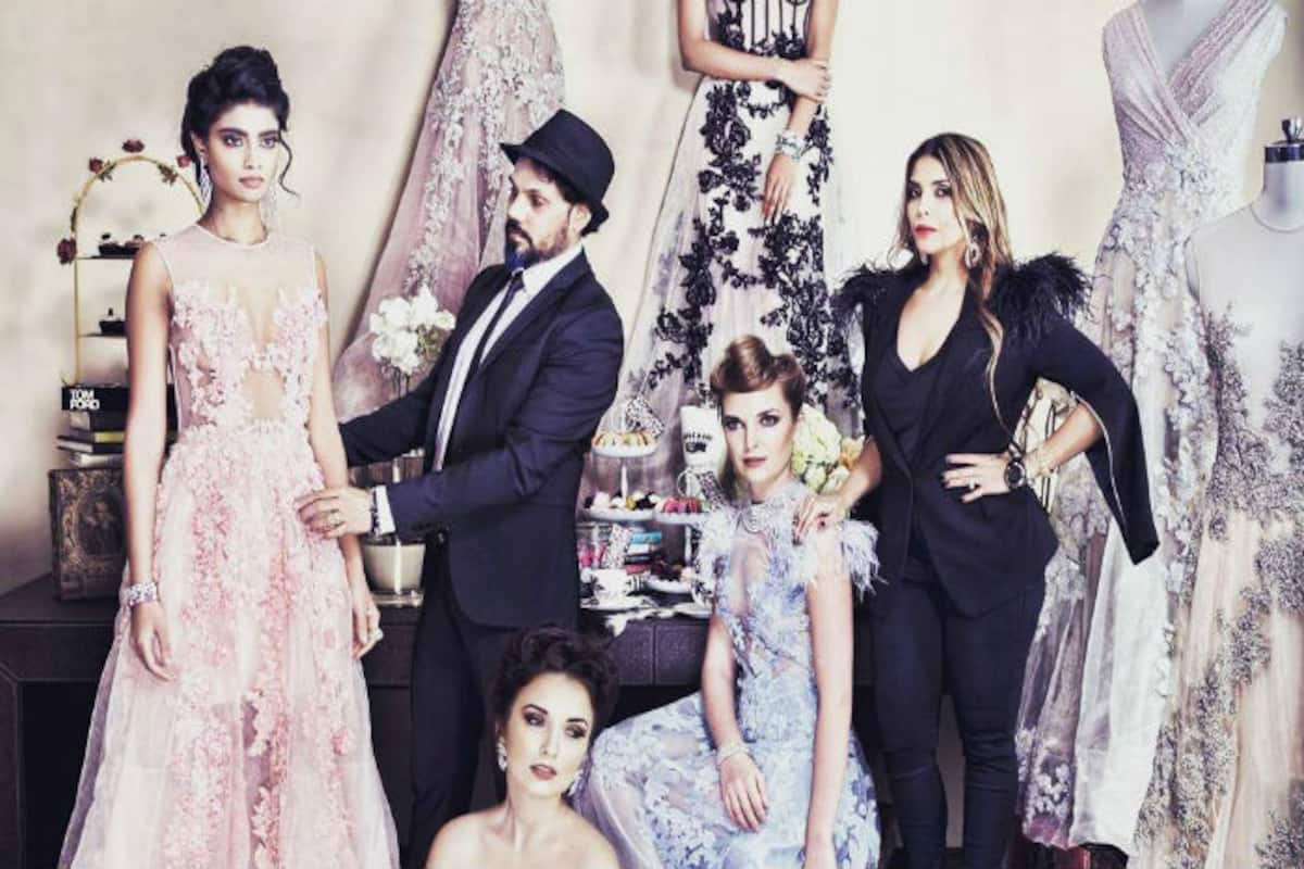 This Designer Duo Will Return To Lakme Fashion Week 2017 After A Gap Of 6 Years Can You Guess Who India Com