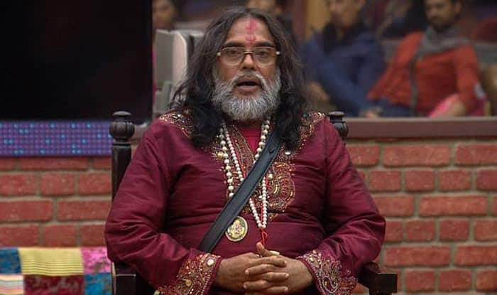 Bigg Boss 10: Om Swami abuses women, indulges in brawl with panel members on the live show! (Watch Viral Video)