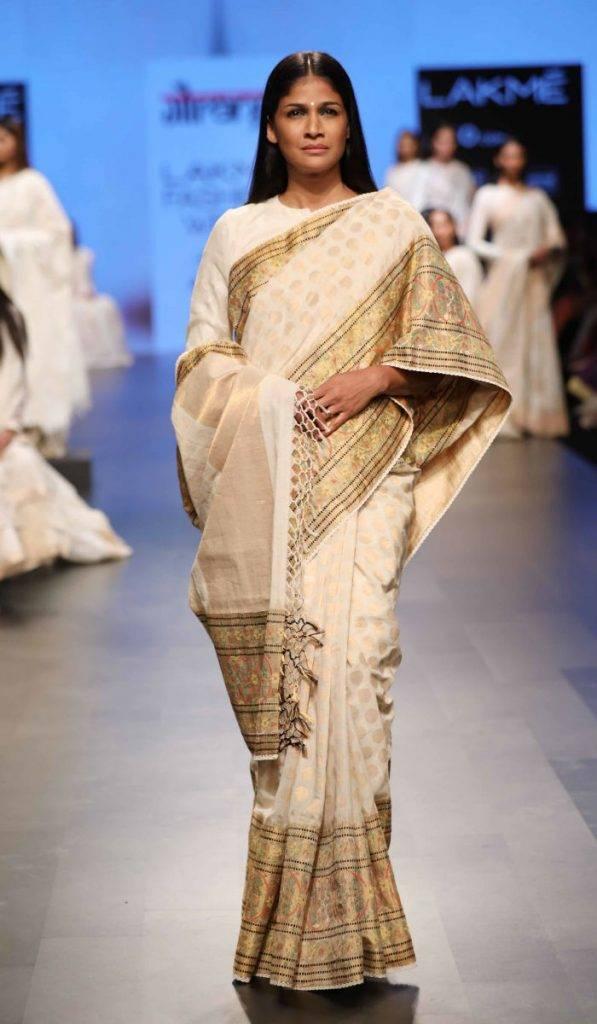 Model Carol Gracious for Gaurang at LFW SR 17