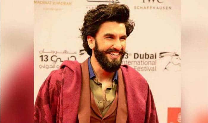 Ranveer Singh pulls off Shah Rukh Khan's DDLJ train stunt with a hilarious outcome! Watch Video!