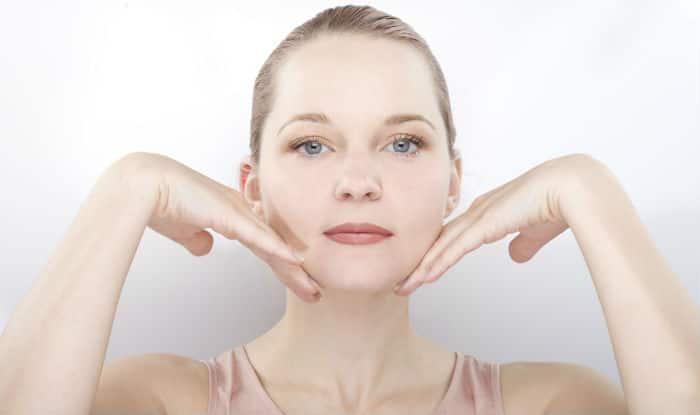 Simple Face Exercises to Delay Signs of Ageing