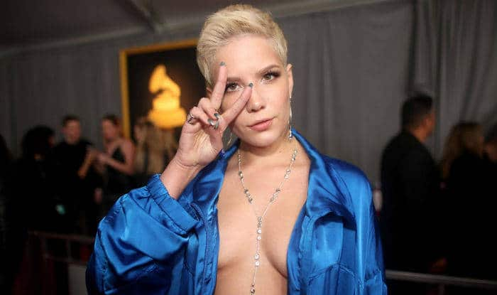 The Closer singer Halsey goes braless in a tracksuit at Grammys 2017!