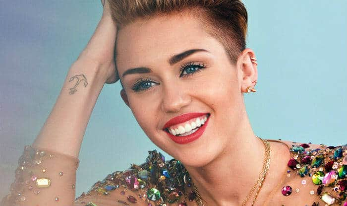 Singer-Actress Miley Cyrus Opens up About Her First Kiss, Says She Locked Lips With a Girl