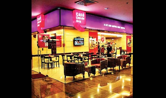 Jaipur: CCD woman employee slaps customer for recording 'crawling cockroaches' in their refrigerator