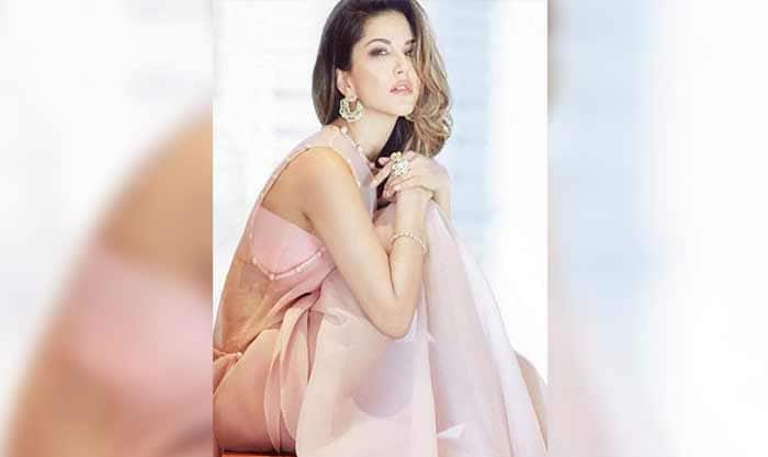 Sunny Leone got in the bathtub and something went majorly wrong – view pic