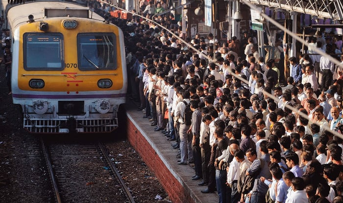 Mumbai Mega Block: Local Train Services to be Hit on Central Railway And Western Railway During Weekend