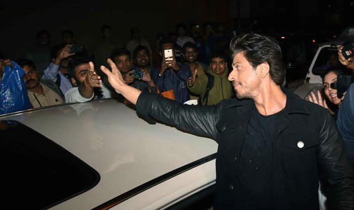 Shah Rukh Khan's car ran into a photographer's leg and here's what the actor did next.. Read EXCLUSIVE