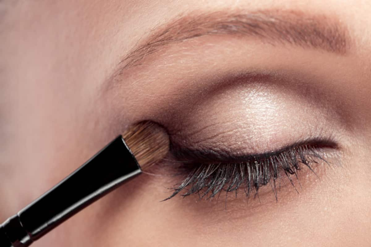 Eyeshadow tips for beginners: How to choose and apply eyeshadow