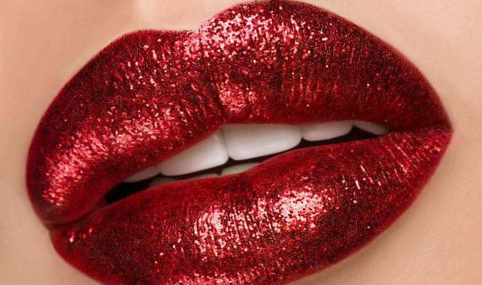 Prevent lipstick from smudging