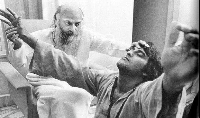 Osho Rajneesh with Vinod Khanna
