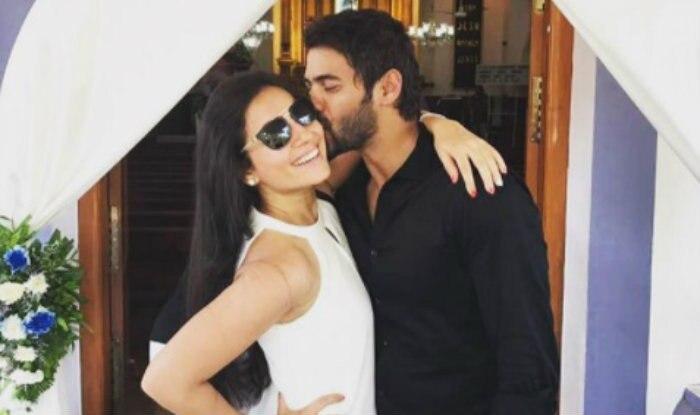 Kumkum Bhagya's Abhi aka Shabbir Ahluwalia kissing wife Kanchi Kaul is the most romantic thing on the internet!