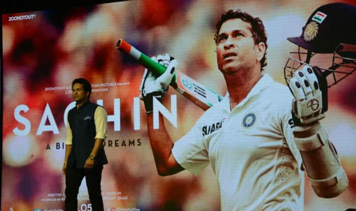 Sachin: A Billion Dreams Movie Review on Twitter by celebs: Sachin Tendulkar film gets a roaring reception as #SachinPremiere trends!