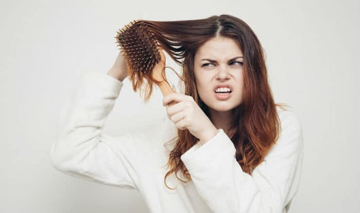Tips And Tricks To Combat Frizzy Hair This Monsoon Like a Pro