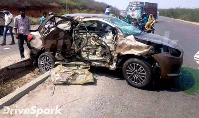 The Maruti DZire has received extensive damage to the driver side.