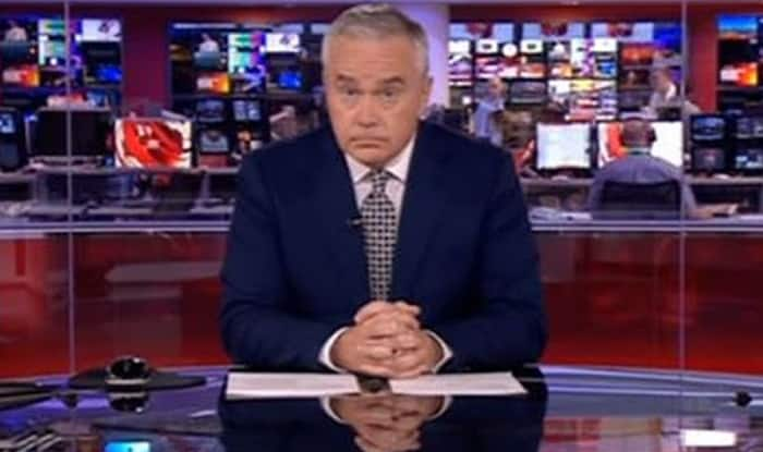 Huw Edwards sat in silence for several minutes because of a technical glitch on BBC News at Ten (Watch video)