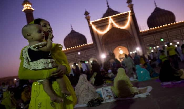 Crescent moon sighted in Mangalore, Kerala; Eid-al-Fitr to be celebrated on Sunday