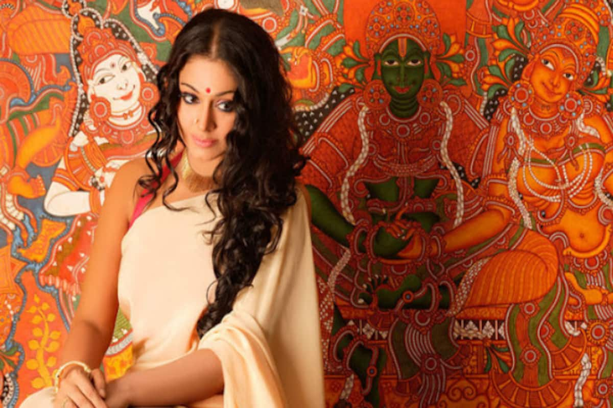 Malayalam Actress Shobana To Get Hitched At The Age Of 47 India Com A senior citizen, native of trivandrum, india ; malayalam actress shobana to get