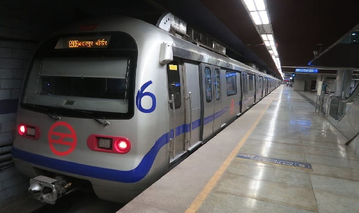 Delhi Metro May Not Allow Commuters Carrying Oversized Bags to Travel From March