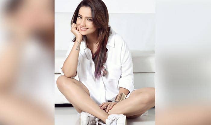 Naagin 2 actress Adaa Khan rushed to the hospital; here's why!