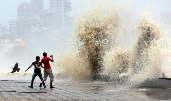 Mumbai: 18-year-old Washed Away by High-Tide While Taking Selfie