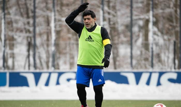 Carlos Tevez is No Traitor, Syas Diego Maradona