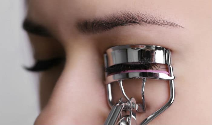 How to apply mascara: Step-by-step guide to apply mascara perfectly to make your eyes pop!