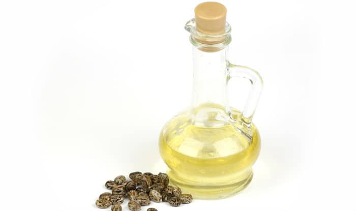 Top 6 beauty benefits of castor oil: Vitamin E rich castor oil can do wonders for your skin and hair!(2)