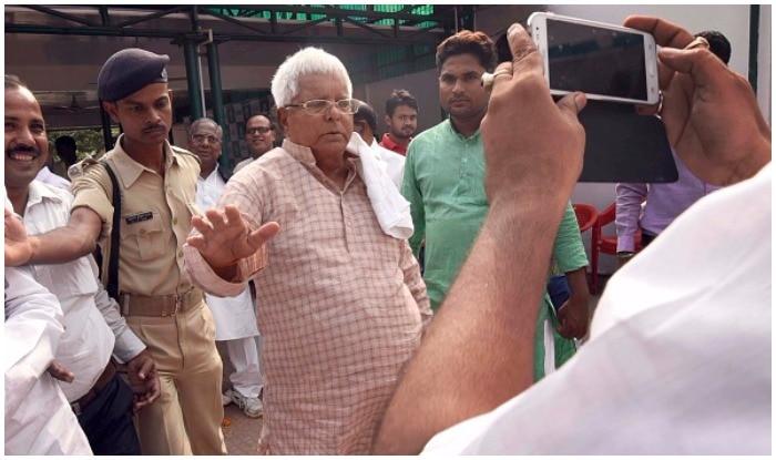 CBI registers a case against Lalu and family members in Railway hotel tenders case | लालू पर शिकंजाः 12 ठिकानों पर रेड के बाद बिहार में अलर्ट, CBI ने की प्रेस कॉन्फ्रेंस