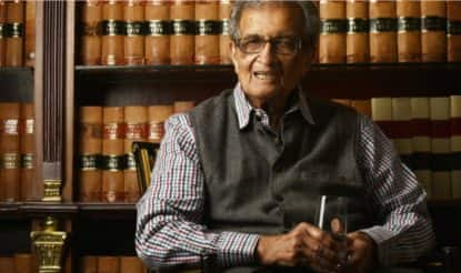 Amartya Sen 'Touched' by Mamata's Support, Banerjee Says Nobel Laureate Attacked for Views Against Centre