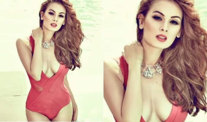 Evelyn Sharma Looks Smoking Hot in Cleavage Revealing Red Bikini! See Picture of Sexy Actress