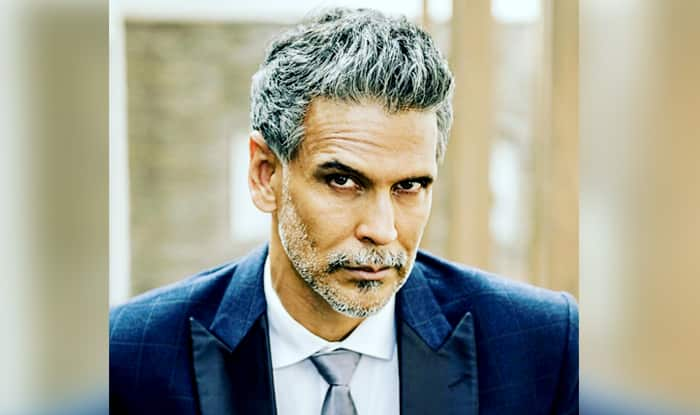 Milind Soman Gives 'Cats of Instagram' Tough Competition And THIS Picture is Proof!
