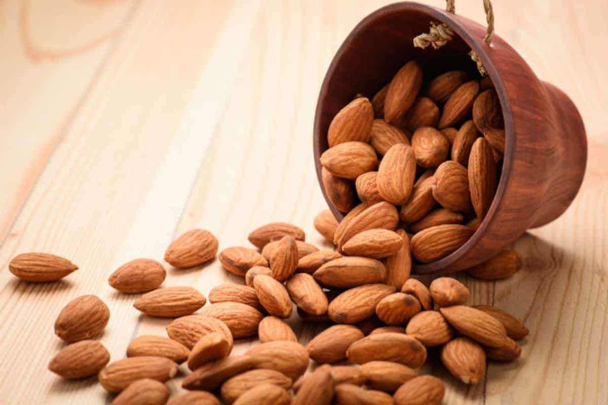 Health Benefits of Almonds: 5 Amazing Health Benefits of Eating Almonds Every Day | India.com