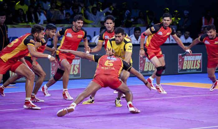 Pro Kabaddi League 2017: Tamil Thalaivas Beat U Mumba as Delhi Pip Jaipur