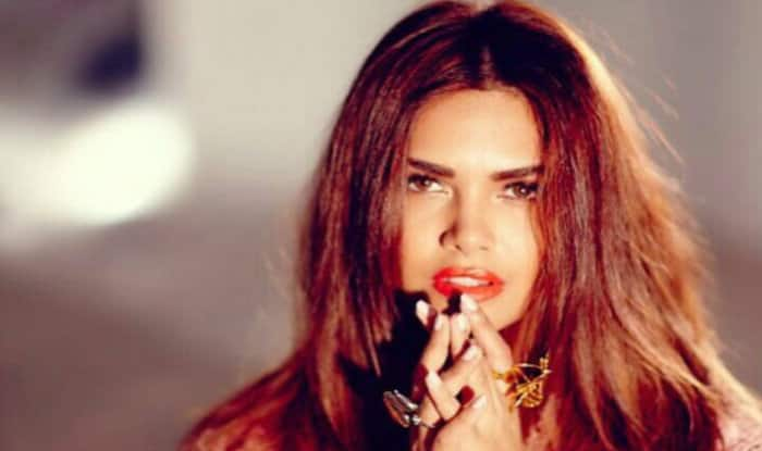 Esha Gupta Dancing Her Heart Out Will Wipe Away Your Tuesday Blues, Watch The Video