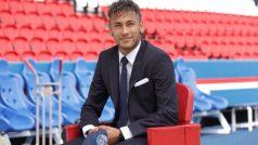 Neymar Wants to Win 'Lots of Trophies' With Paris Saint-Germain