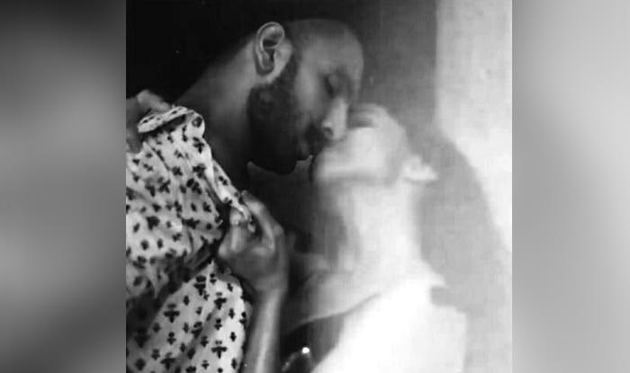 Ranveer Singh And Deepika Padukone's Steamy Kiss Is Breaking The Internet – Check It Out!