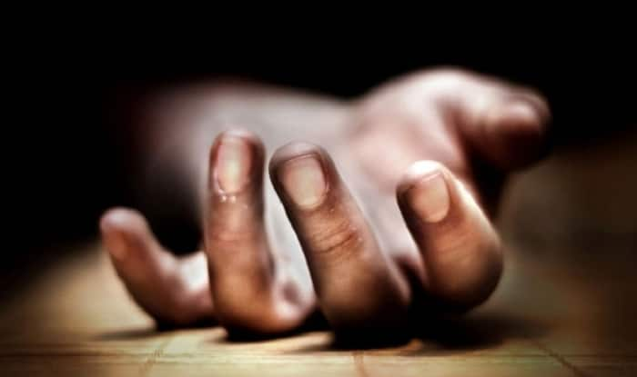 Caught on Camera: Mumbai Man Kills Himself by Jumping Before Local Train in Malad