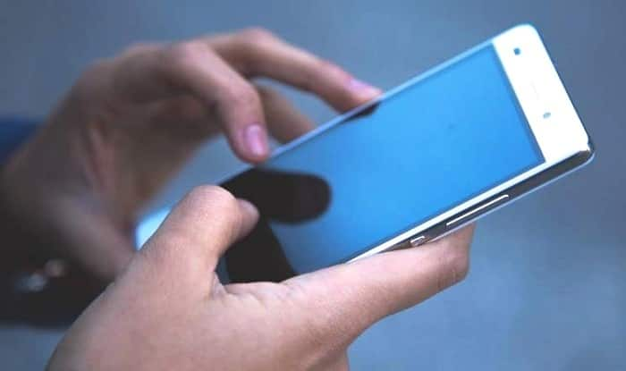 51 percent indian check their phone in every 10 minutes survey - 51