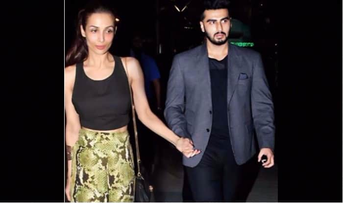 Malaika Arora And Rumoured Boyfriend Arjun Kapoor Groove to Chaiya Chaiya Along With Shah Rukh Khan, Watch Video